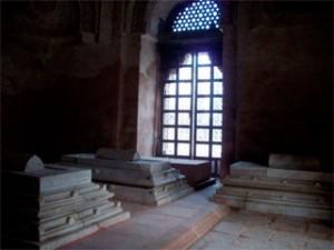 Firoz Shah's Tomb Inside